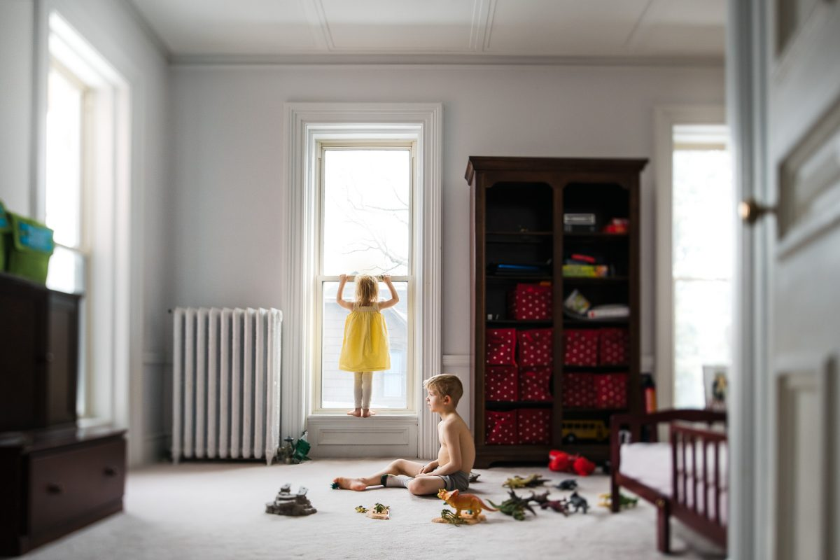 Everyday-Documentary-Photo-with-Geometric-Composition-of-Two-Children-Playing-in-Natural-Light-by-Sarah-Wilkerson-4