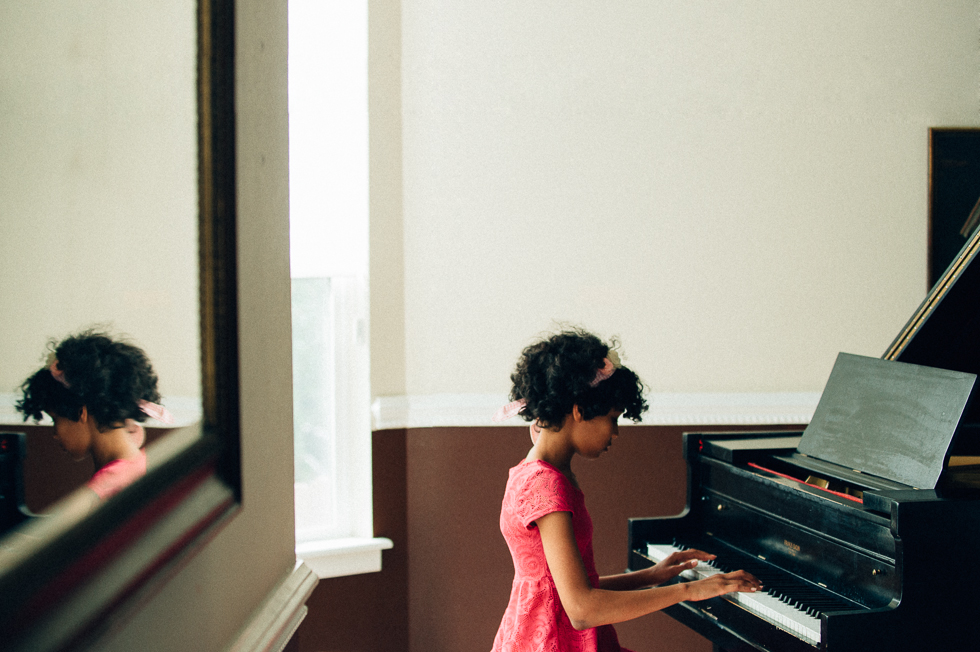 -Piano-Child-Photography-Color