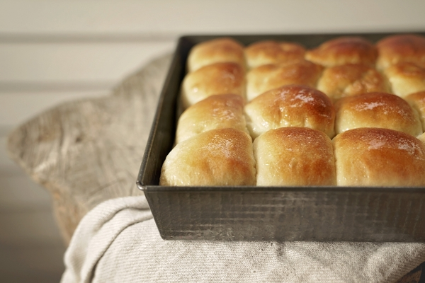 Warm Homemade Dinner Rolls–3