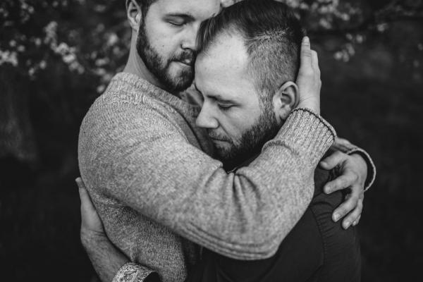 08Ebony-Logins-natural-light-couples-breakout0002