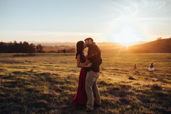 20Danielle-Navratil-natural-light-couples-breakout0014
