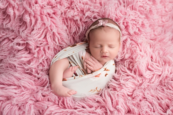 julie_kulbago_newborn_posing_14