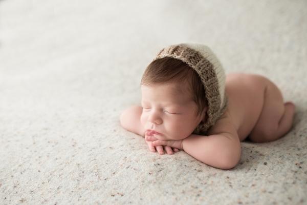julie_kulbago_newborn_posing_16