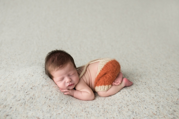 julie_kulbago_newborn_posing_17