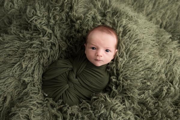 julie_kulbago_newborn_posing_21